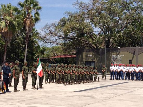 Foto:AFmedios/El comandante de la XX zona militar, el general Francisco Ortiz, exhortó a la población a denunciar las violaciones de derechos humanos.