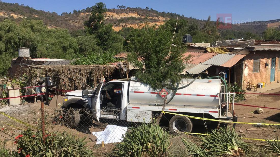 Pipa Se Sale De Carretera Sayula San Gabriel En Jalisco Saldo Una