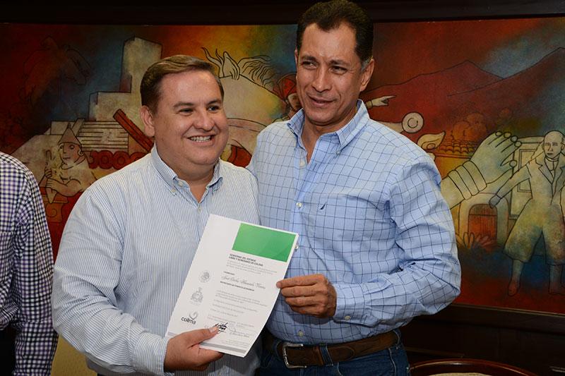 Carlos ahumada viveros nuevo titular de sefome afmedios for Viveros en colima
