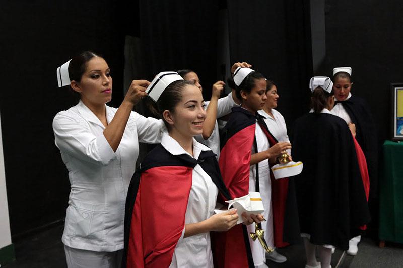 Egresa nueva generación de enfermeras y enfermeros de la UdeC, en ...