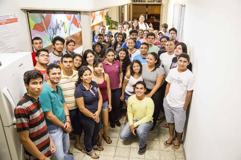 50 j venes porte os habitan en la casa del estudiante en - Agencias para tener estudiantes en casa ...