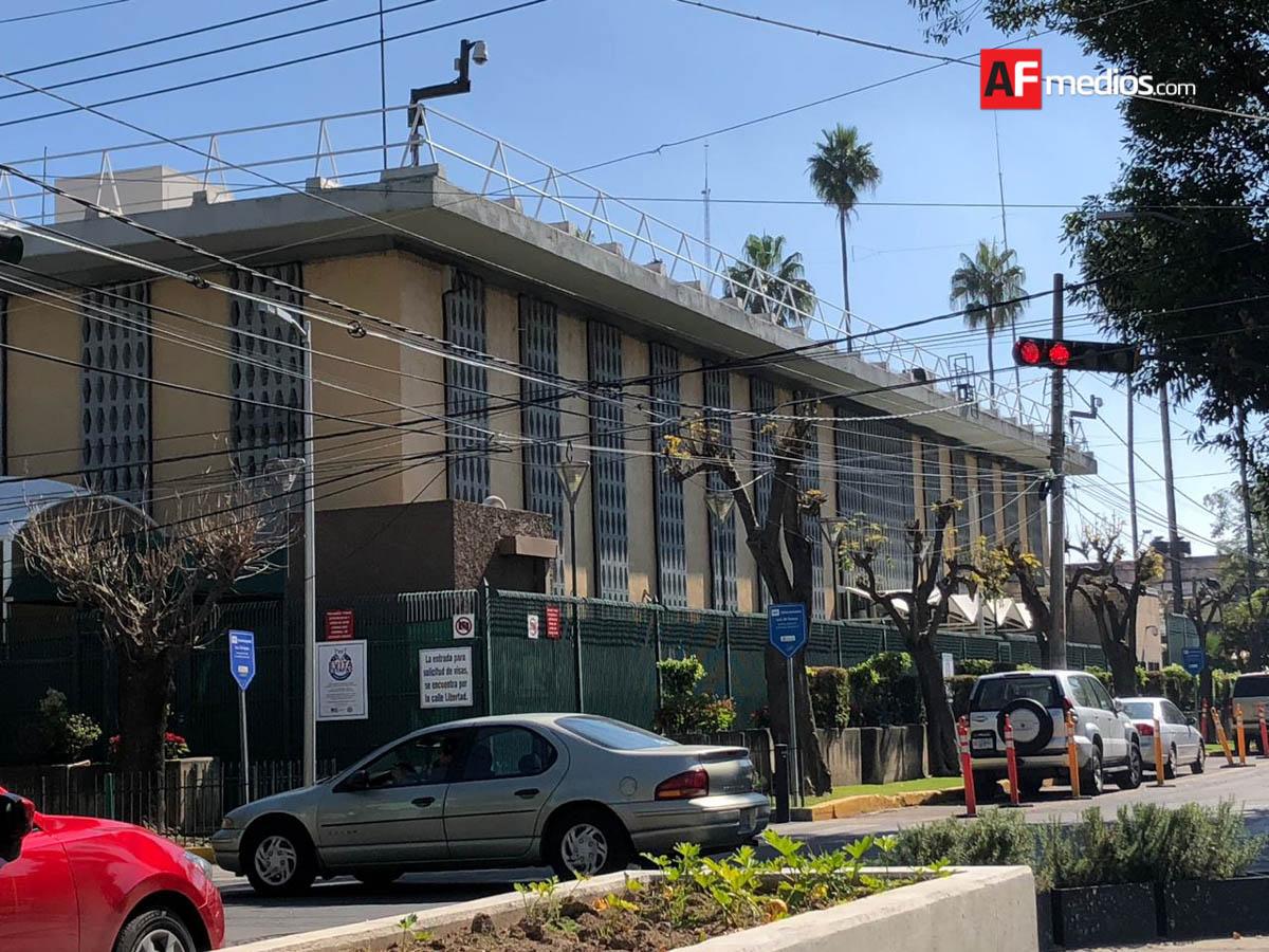 Detona aparato explosivo en Consulado de EU en Guadalajara; autoridades federales investigan